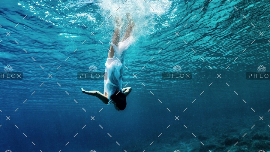 demo-attachment-27-dancing-underwater-PWT6K2M2